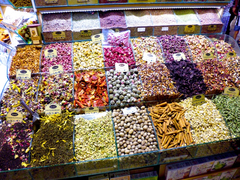 Huge selection of teas and spices available at the Grand Bazaar