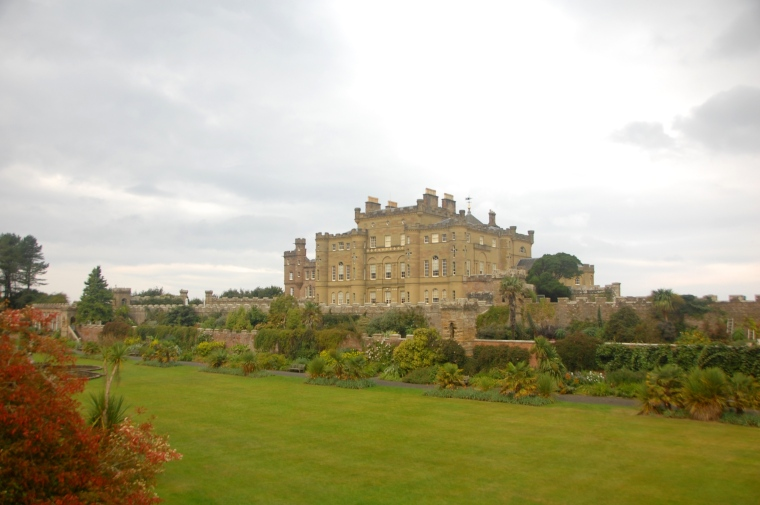 The grand Culzean Castle. Behind her is the ocean!