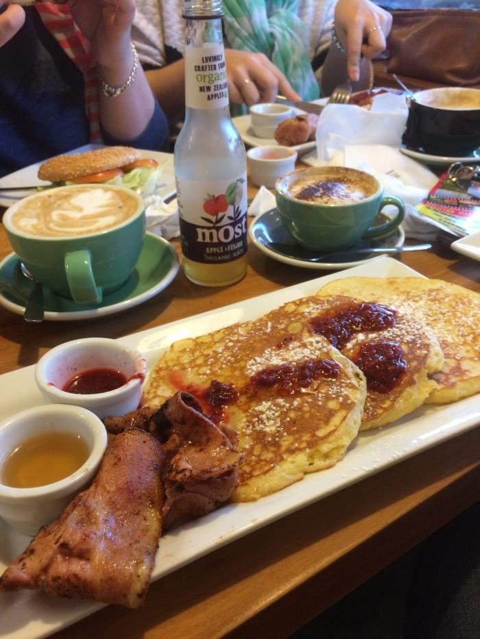 Pancakes at Pancake Rocks - perfect start to the morning!